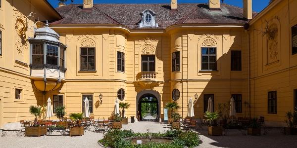 Kaiserliches Jagdschloss Eckartsau, Innenhof