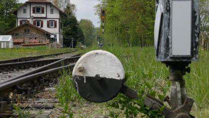 Eisenbahnromantik an der Räuberbahn in Burgweiler; Foto: F. v. Meißner