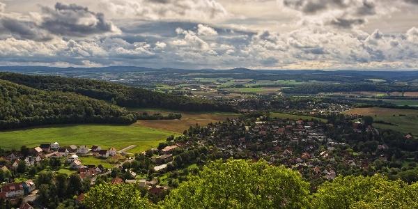 Blick von der Burg Plesse auf Eddigehausen