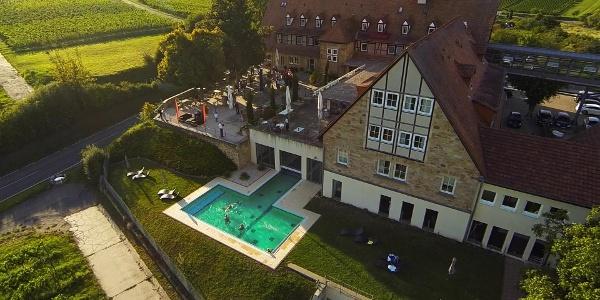 Pool und Terrasse Leinsweiler Hof