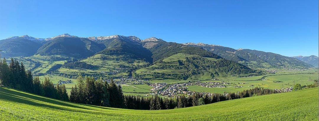 Toller Ausblick über Niedernsill auf die Kitzbüheler Alpen