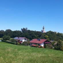 Blick zurück auf dem Weg vom Kloster Andechs zum Ammersee