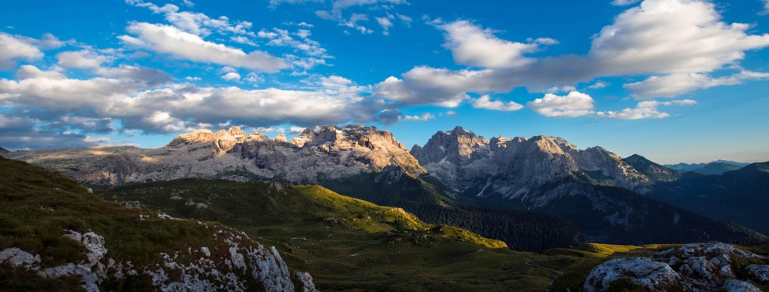 Panoramica delle Dolomiti di Brenta dal monte Spinale