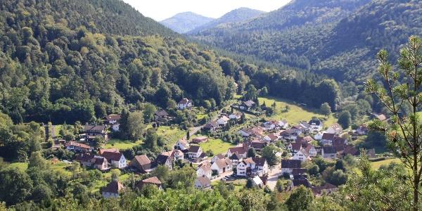 Blick auf Nothweiler vom Mäuerle