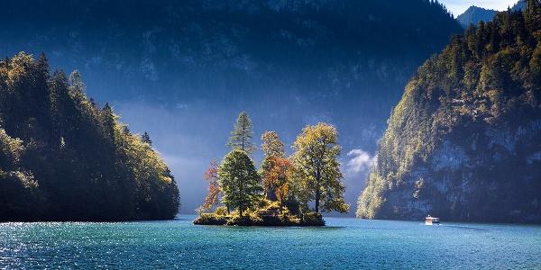Herbst an der Insel Christlieger im Königssee