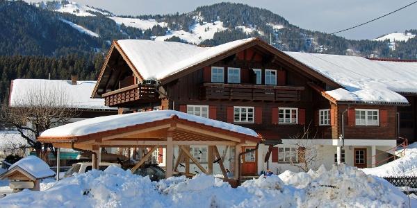 Lage inmitten von Wandergebieten, Nähe Skigebieten