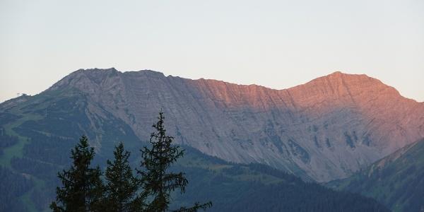 Garnter Wand bei Sonnenaufgang