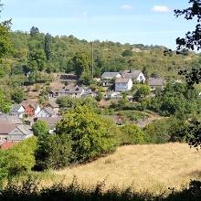 Blick auf das Dorf Hintertiefenbach