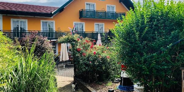 Außenansicht Landhotel-Restaurant Erhardt