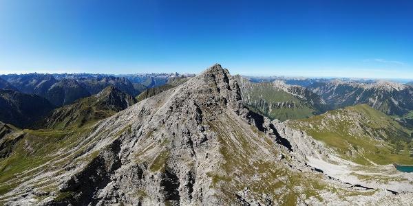 Bergtour im Lechtal: Namloser Wetterspitze Überschreitung - Bergwandern in Österreich