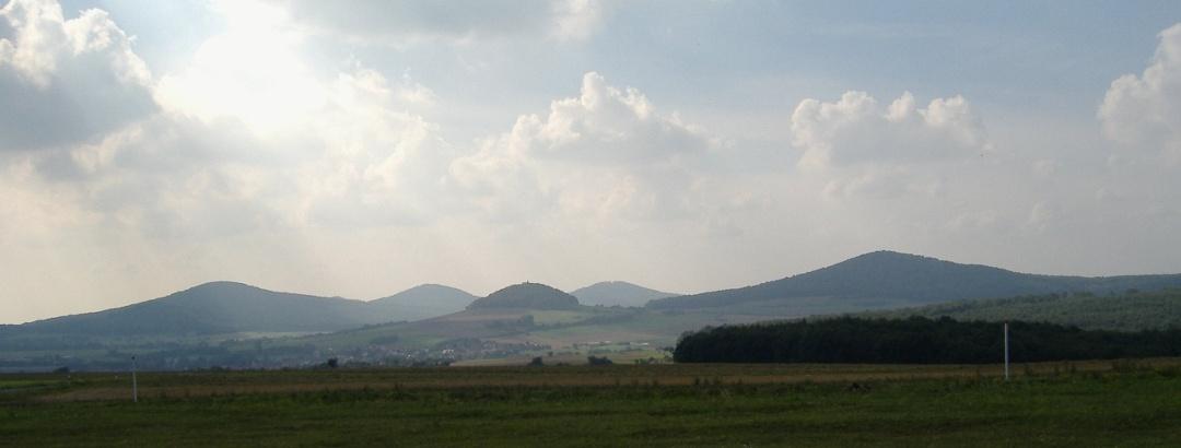 The Hessian Kegelspiel (up to 552.9 m) in the Soisberg Kuppen Rhön