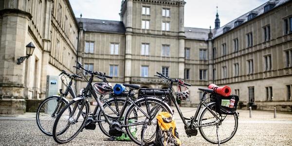 Fahrräder am Schloss Ehrenburg