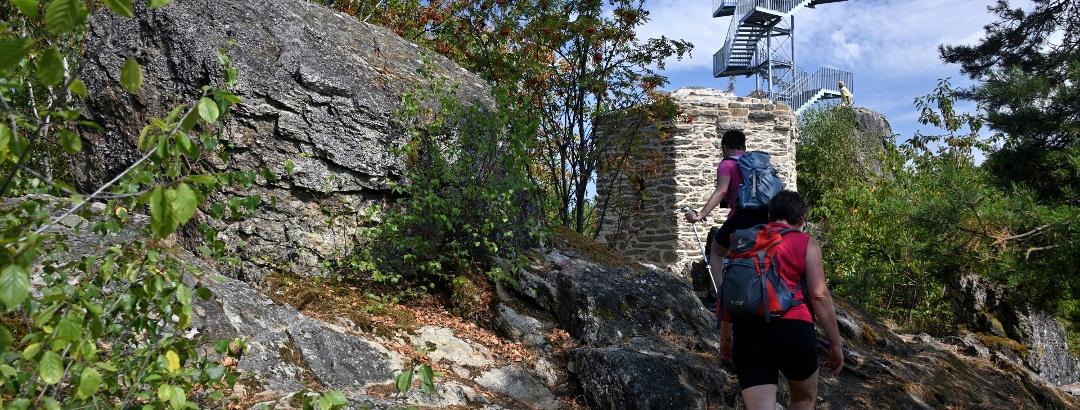 Aussichtsturm auf dem Spitzen Stein - alt und neu