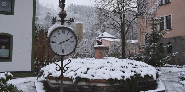 Winter Brunnen Gornsdorf