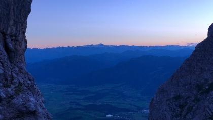 Abendlicher Blick von der Terrasse in Richtung Hoher Tauern