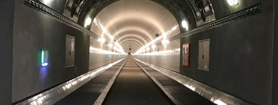 Schleifenroute - Hamburg Elbtunnel für Fußgänger und Radfahrer