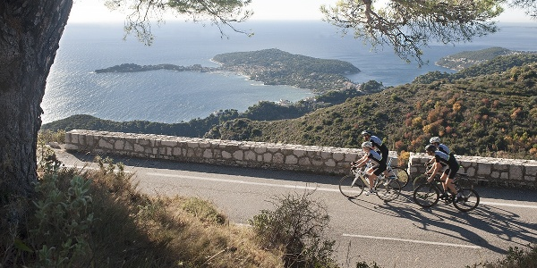 Cyclistes - vélo de route - Cap-Ferrat