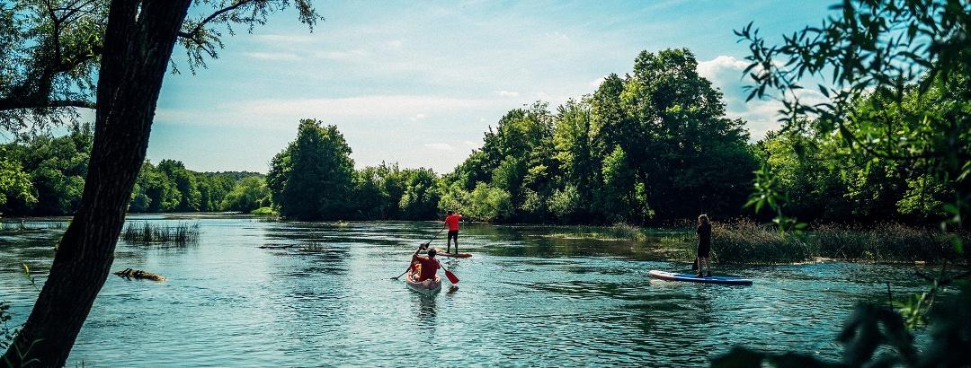 Stand-up-paddling auf dem Krka Fluss