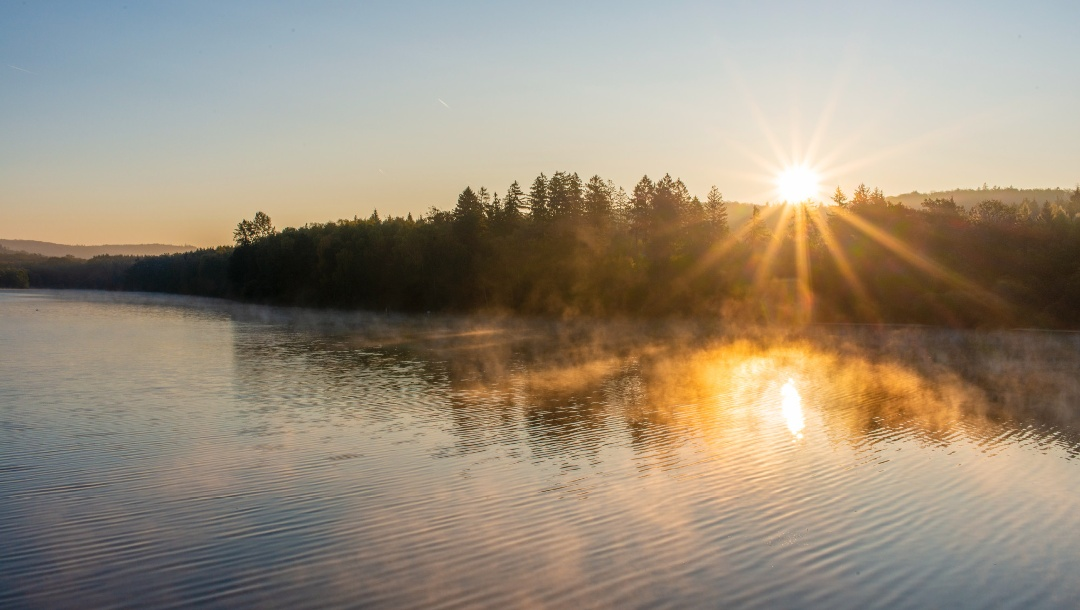 Sonnenaufgang am Möhnesee