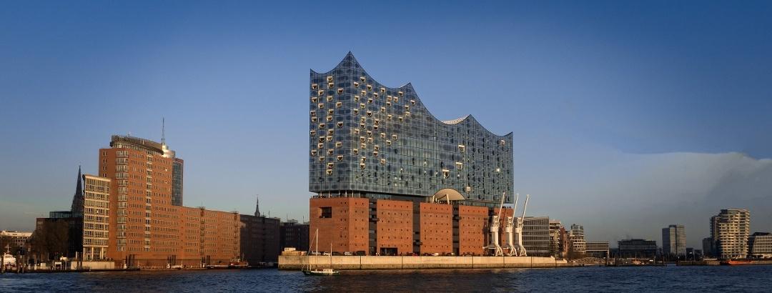 Die Elbphilharmonie im Hamburger Hafen