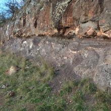 Geologischer Aufschluss des devonischen Vulkanismus