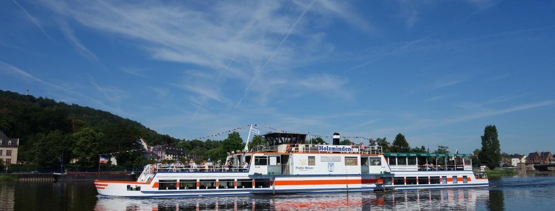 """Schiff """"Holzminden"""" auf Rundfahrt"""