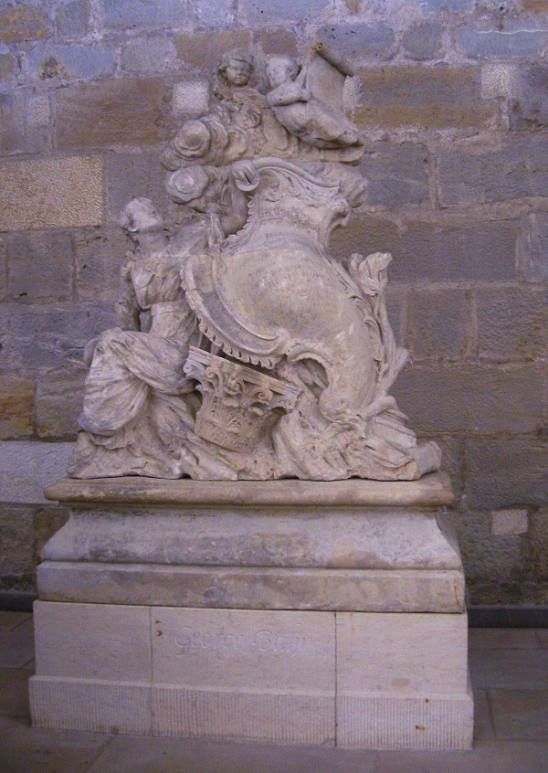 Grab George Bährs in der Unterhalle der Dresdner Frauenkirche