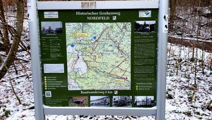 Hinweisschild Historischer Grubenweg Nordfeld