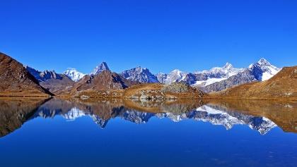 Les Lacs de Fenêtre face au Mont-Blanc et au Dolent