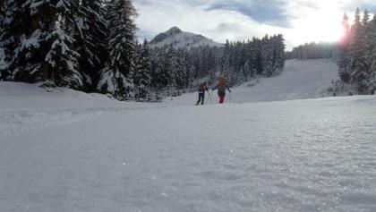 Winterwunderwelt mit dem Gipfel im Hintergrund