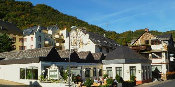 Schlos-Hotel Petry****