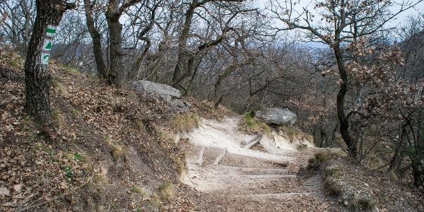 A Tündér-szikla után meredek ereszkedés következik