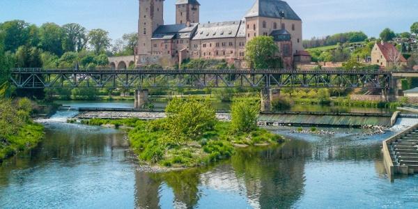 Zaßnitzer Hängebrücke - Blick auf Schloss Rochlitz