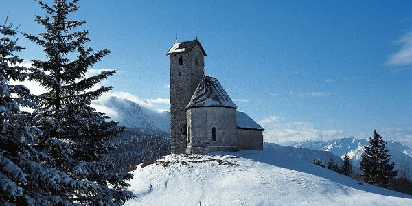 Zum berühmten Höhenkirche am Vigiljoch mit den Schneeschuhen.
