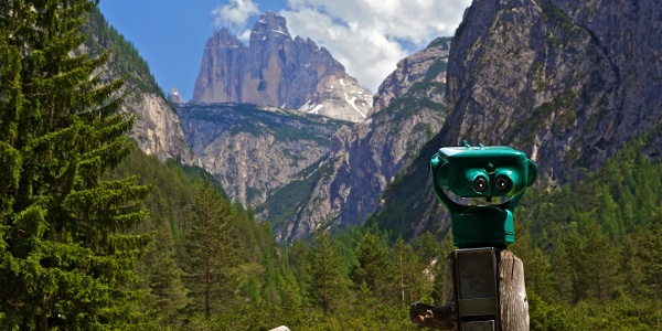 From the Lago di Landro you enjoy a perfect view on the Tre Cime rocks.