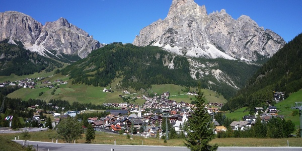 With the racing bike over Passo delle Erbe to Corvara.