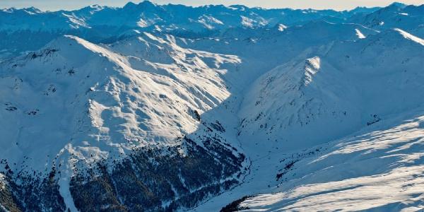 Winterwanderung von Reschen in das idyllische Rojental.