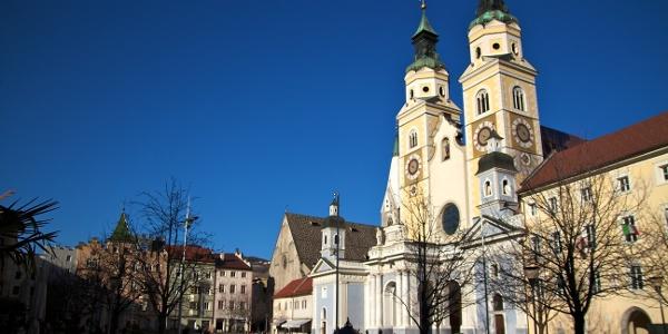 Der prächtige Domplatz im Zentrum von Brixen - unbedingt sehenswert.