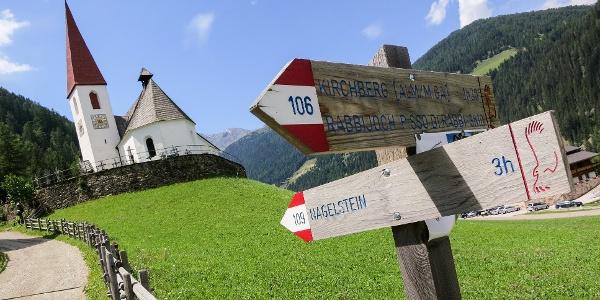 Von St. Gertraud führt die Familienwanderung durch das Kirchbergtal zur Kirchbergalm.