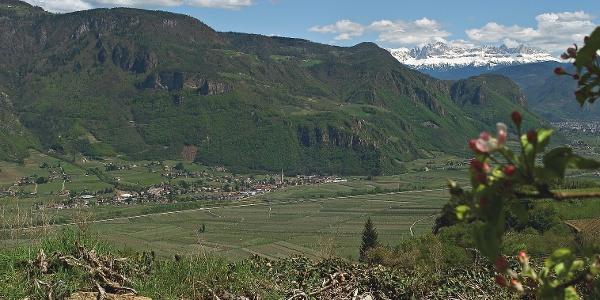 Terlan und die Anhöhe mit der Gegend um Montigl.