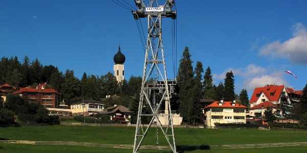 For the first high meters we take the cable car to the Renon mountain.