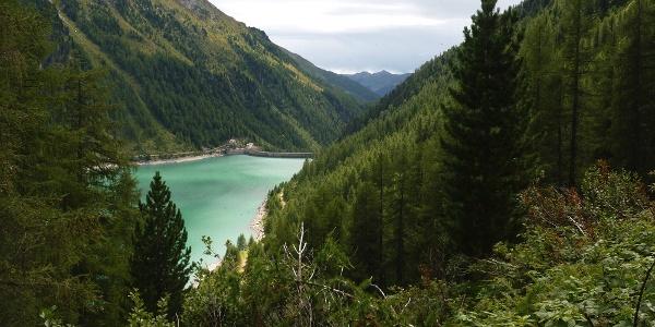 Blick auf den Neves Stausee im hinteren Mühlwalder Tal.