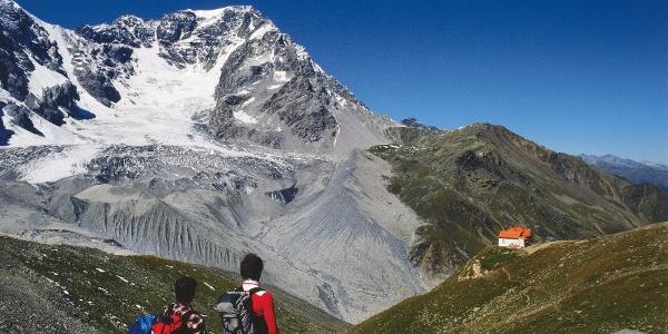 Zwei Alpinisten oberhalb der Schaubachhütte hoch über Sulden