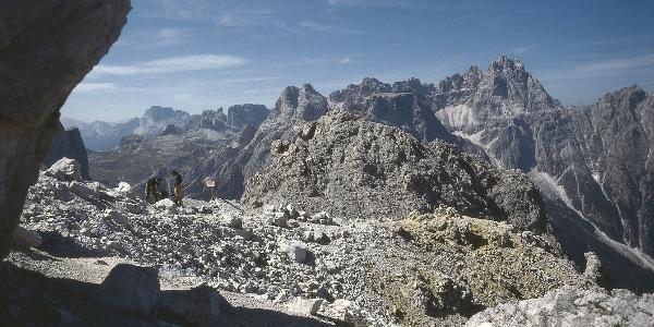 Die Elferscharte gegen die Dreischusterspitze am Alpinisteig in Sexten