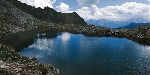 Der obere der Ochsenfelder Seen liegt auf einer Höhe von über 2500 m.