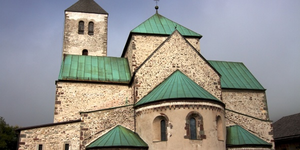 The Collegiate Church of San Candido is the most important example of the Romanesque architectural epoch in Tyrol.