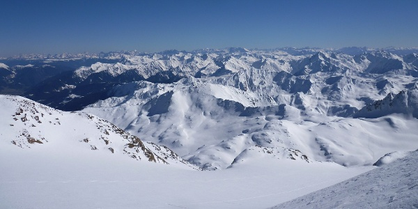 Fantastic ski touring with an amazing view on the Capro mountain in the Stubaier Alps.