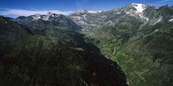 Im Pfelderer Tal mit Sefiarspitz ganz links im Bild