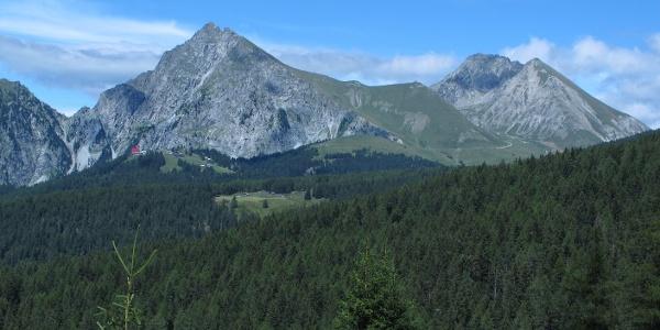 Bergstation Seilbahn Meran 2000 mit Ifinger und Plattenspitze