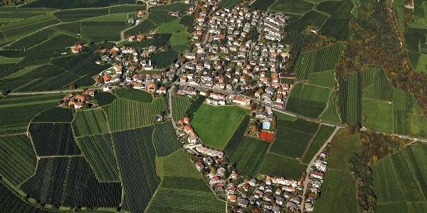 Das geschichtsträchtige Dorf aus der Vogelperspektive.